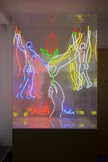 David Medalla 'Art lifts Berlin' Neon sculpture 255x121x95cm, 5 animated circuits, 1998